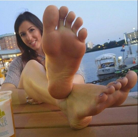 Picture galleries of cute girlsfeet